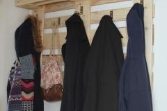 Europaletten Möbel Garederobe Kleider